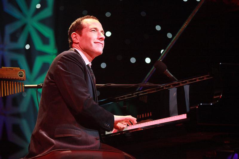 Jim Brickman on piano